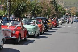 Una passeggiata su auto storiche per i ragazzi dell'AIPD di Taranto
