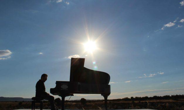 """Per """"Piano Lab"""" 160 pianisti con Morgan e Nicola Piovani"""