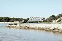 Presidio sul fiume Lato, dibattito sul tema