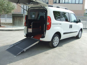 olmedo-trasporto-disabili-rampa-aterra-12-2