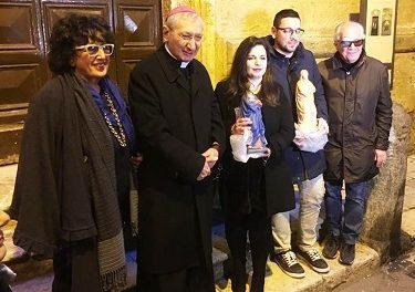L'Arciescovo di Taranto benedice la nuova statua della Madonna della Chiesa di San Michele