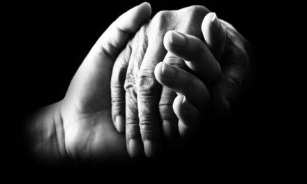 """""""Norme per il sostegno del caregiver familiare"""", approvata la Legge regionale 27 febbraio n.3"""