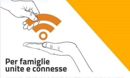 """""""Famiglie unite e connesse"""". Se hai una rete wireless condividila con chi non ce l'ha"""