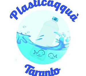 Plasticaqquà lancia una raccolta fondi per ripulire il mare di Taranto
